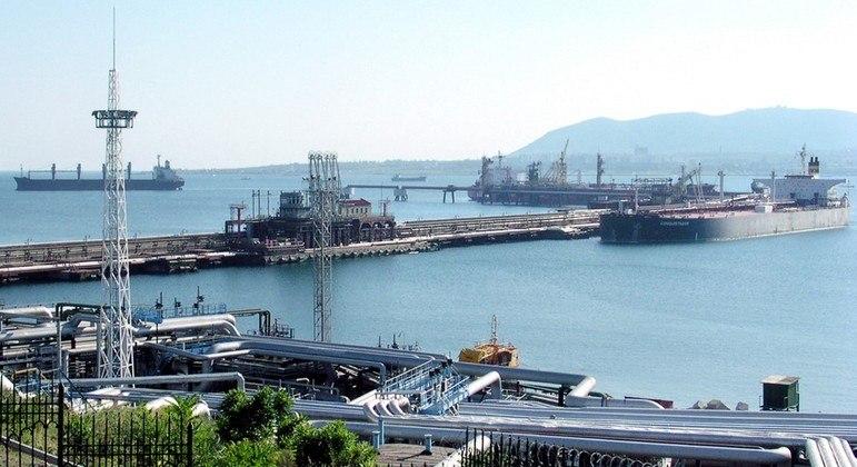 Vazamento aconteceu perto do porto de Novorossisk, no Mar Negro