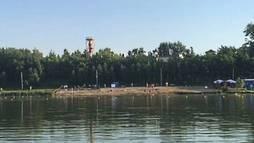 Russos ignoram seleção argentina e aproveitam calor do verão europeu ()