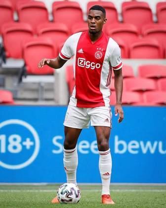 Ryan Gravenberch – O meio-campo atua pelo Ajax e está estipulado em 11 milhões de euros (cerca de R$ 72 milhões).