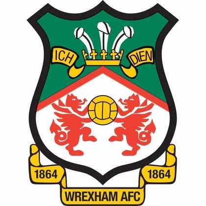 Ryan Reynolds fez a aquisição do Wrexham Football Club, da quinta divisão inglesa, junto de Rob McElhenney. Segundo o site da BBC, as burocracias envolvendo a compra do time do País de Gales foram concluídas e houve aprovação de 98,6% dos membros envolvidos na votação