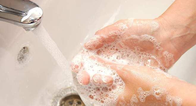 Sabonetes para espinhas- Quais são os melhores e como usá-los