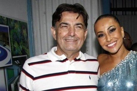 Sabrina disse que o pai se recupera em hospital