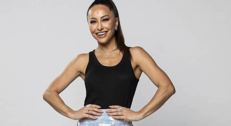 Sabrina Sato está à frente do reality Ilha Record