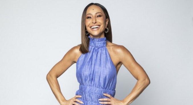 Sabrina Sato comanda o reality show Ilha Record