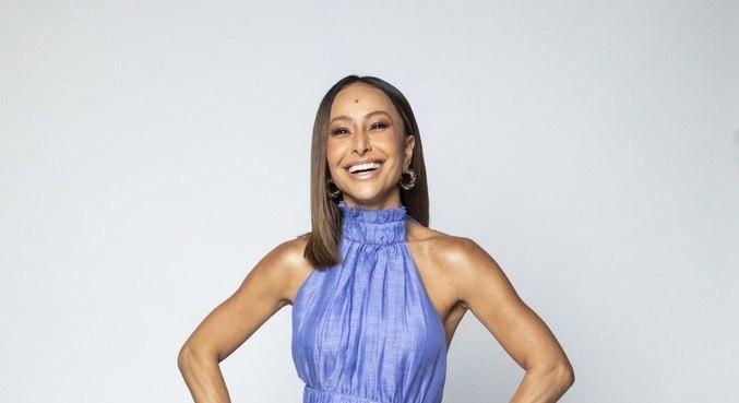 Sabrina Sato comanda o reality show de segunda a sábado, na Record TV