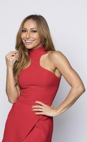 Sabrina Sato, a nova apresentadora do Domingo Show