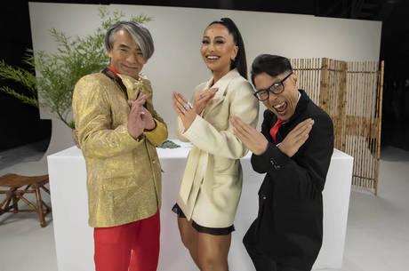 Sabrina se divertiu com Yoshi (à esq.) e Mr. Fu (à dir.)