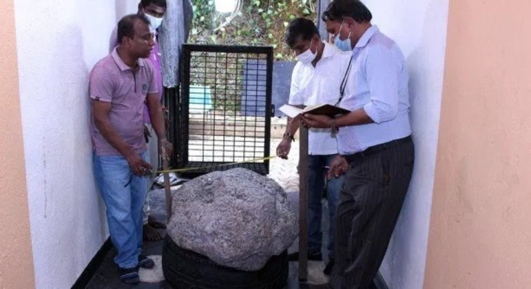 A única imagem divulgada da safira recordista, encontrada no Sri Lanka