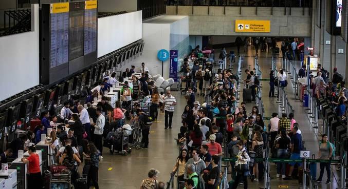 Ofício pede fechamento do aeroporto por 15 dias