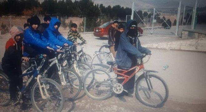 Sahba dedicou a última década ao ensino de crianças em Herat