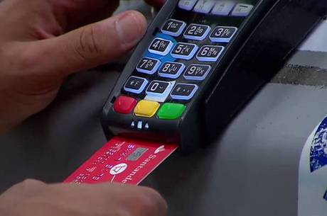 Cartão de crédito: grande vilão do orçamento