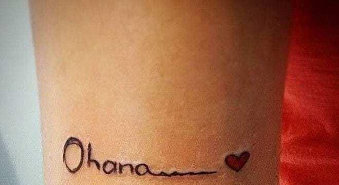 Saiba o significado da tatuagem Ohana + 30 imagens para se inspirar