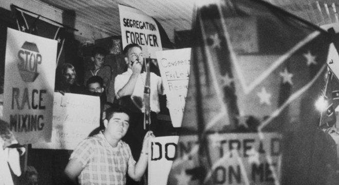 Os grupos de supremacistas brancos na Flórida aterrorizavam a população negra