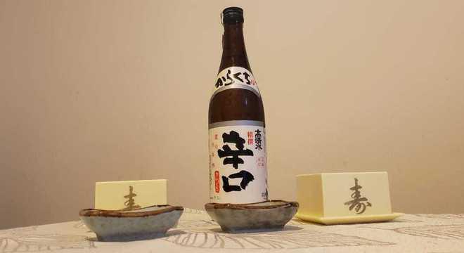Takashimizu Honjouzou -  saquê japonês com adição de álcool destilado