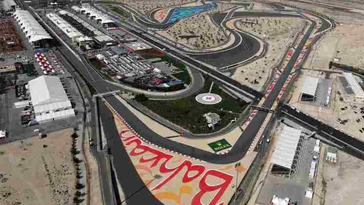 Sakhir, no Bahrein, também passou a receber um GP a partir de 2004 com projeto de Tilke. Este escapa das críticas por receber boas provas