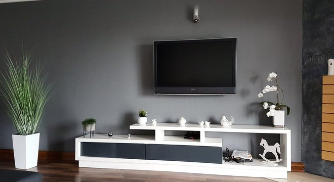 Confira modelos mais modernos de TV  e entenda cada tecnologia antes de comprar a sua