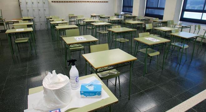 Escolas serão reabertas com as novas diretrizes contra a covid-19