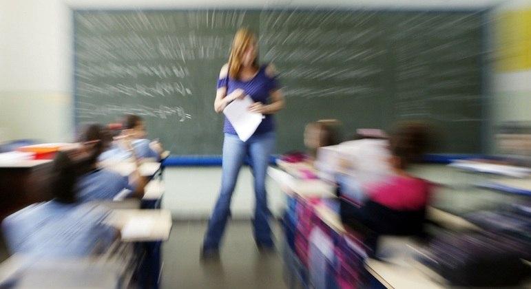 Sem aulas presenciais, aumenta a evasão escolar e cai a qualidade do aprendizado