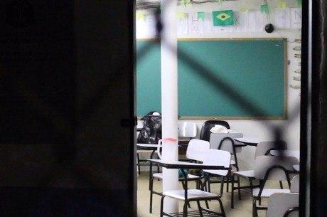 Sala de aula improvisada no CDP Chácara Belém I