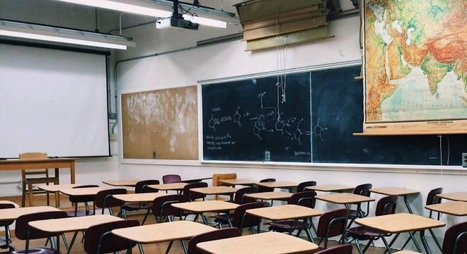 Suspensão das aulas geraram um problema para os pais, que não tem onde deixar as crianças