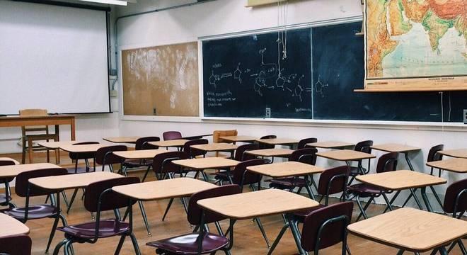 Escolas particulares antecipam férias e geram impasse entre entidades