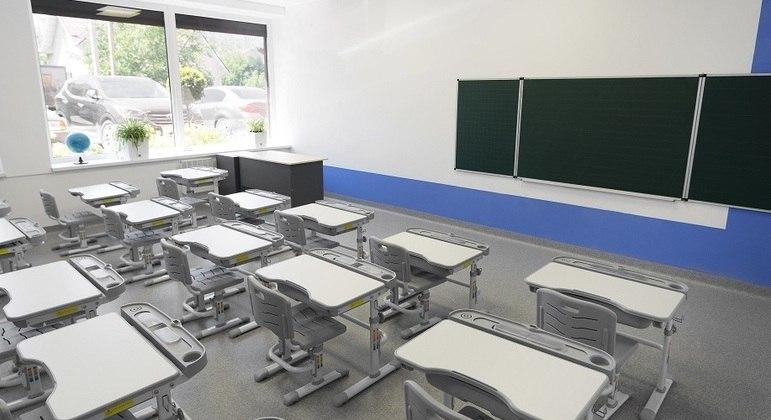 Documento analisa as condições atuais e a reabertura das escolas