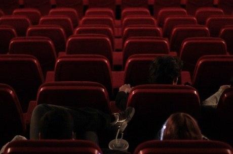 Cinema registra aumento nas ações após reabertura