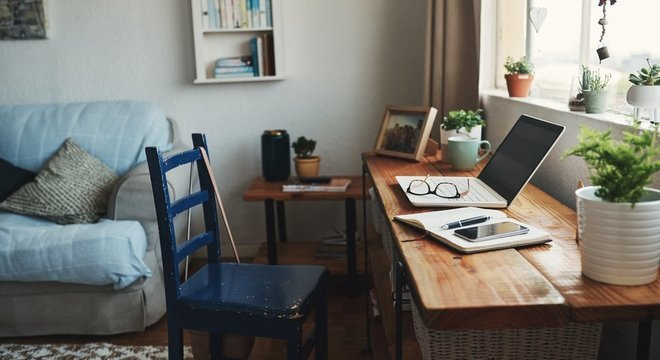 Infojobs registrou aumento de 387% nas vagas para home office em março