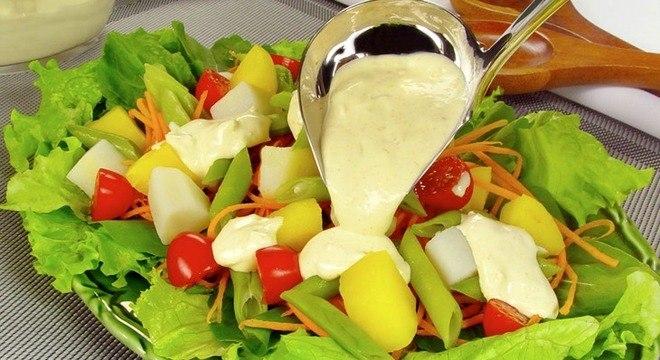 Saladas para o calor: confira 6 opções leves e refrescantes
