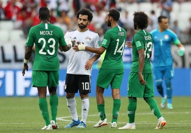 ... Mohamed Salah é outro jogador que mantém uma postura contrária aos  interesses politiqueiros de dirigentes da ... d30186e763312