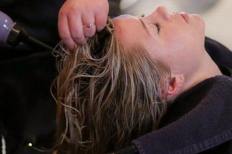 Renda de cabeleireira despencou 90%