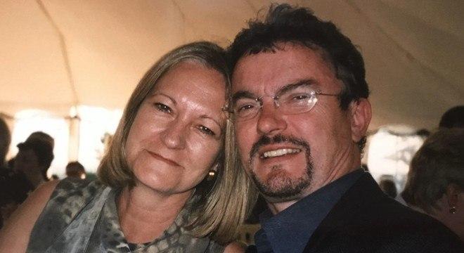 Sally Challen e Richard Challen; ela matou-o a golpes de machado e foi condenada à prisão perpétua