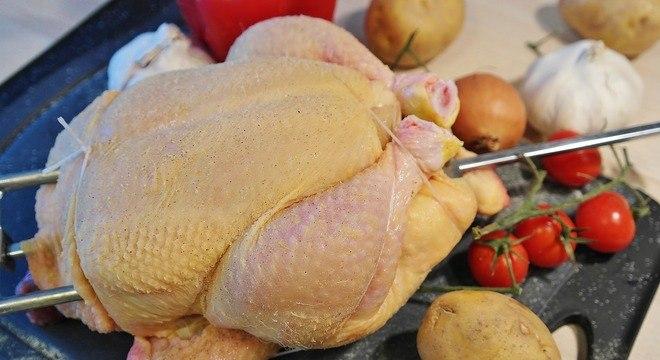 Companhia retirou cerca de 465 toneladas de frango do mercado