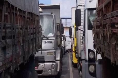 Apenas caminhões e carretas são retidos