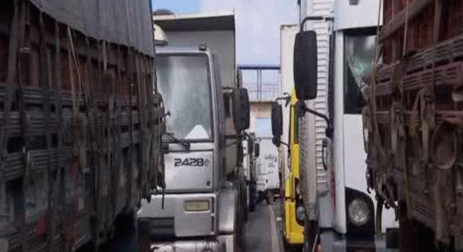 Polícia Civil investiga possíveis infiltrados na greve dos caminhoneiros