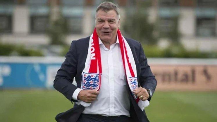 Sam Allardyce (Inglaterra) - 66 anos - Último trabalho: West Brown - Desempregado desde junho de 2021 - Treinou diversos clubes ingleses e teve mais destaque em equipes medianas, como Bolton e Blackburn e Sunderland. Chegou a assumir a seleção da Inglaterra em 2016, mas saiu no mesmo ano.