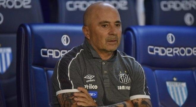 Técnico fez poucas mudanças no Santos nos últimos três jogos
