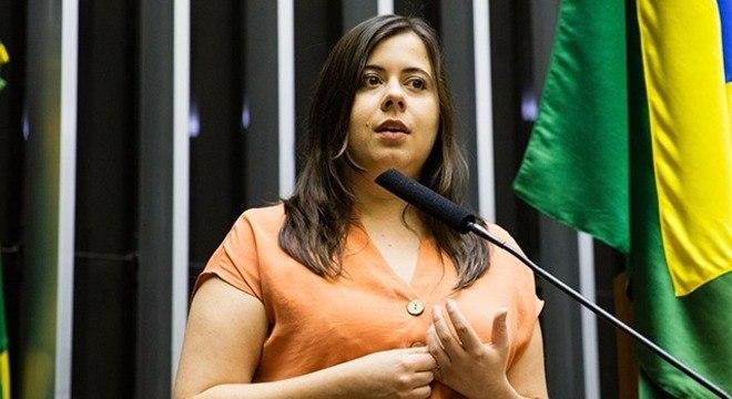 Sâmia Bomfim, líder do PSOL na Câmara, está com covid-19