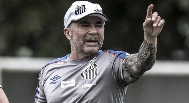 Técnico está na mira de Palmeiras e Racing, mas mantém futuro incerto