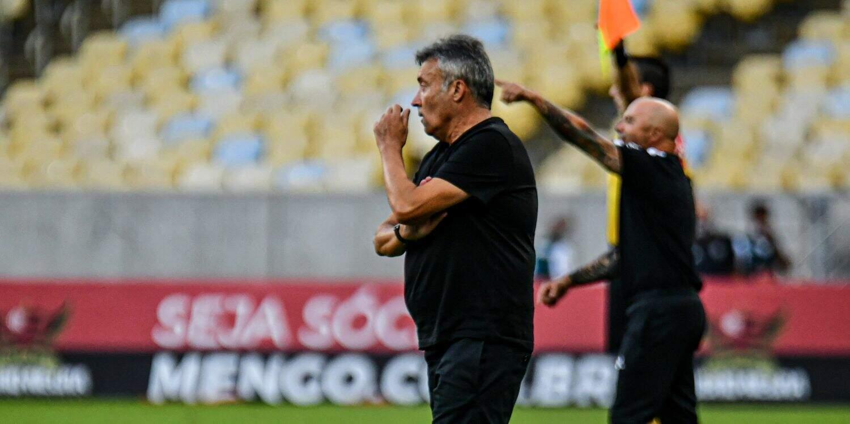 Sampaoli tem como grande adversário o Flamengo de Domènec