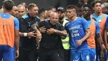 Sampaoli se irrita e Gerson troca socos em briga no Francês