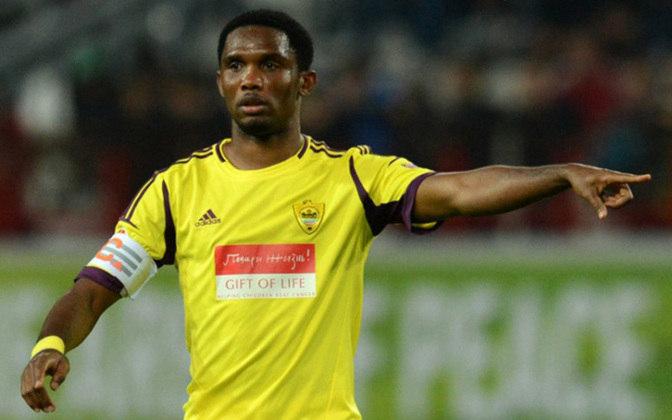 SAMUEL ETO'O - Também com 805 aparece o artilheiro camaronês Samuel Eto'o. Só pelo Barcelona foram 299 partidas.