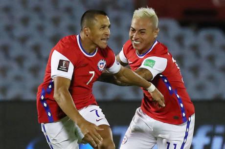 Sánchez empatou partida para o Chile