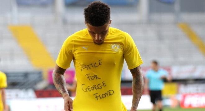 Jogador do Borussia Dortmund, Sancho pediu justiça a morte de George Floyd