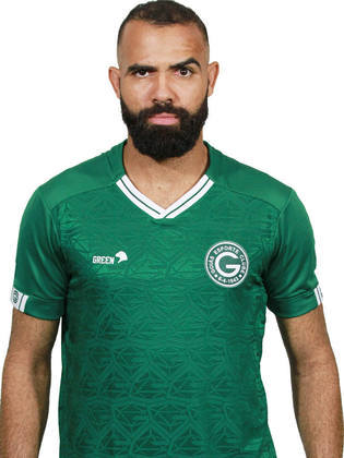 SANDRO - O volante Sandro, que defendeu a Seleção Brasileira nas Olimpíadas de 2012 e já vestiu a camisa de Tottenham, Internacional, entre outros times, está sem clube desde que deixou o Goiás, no início de 2021.