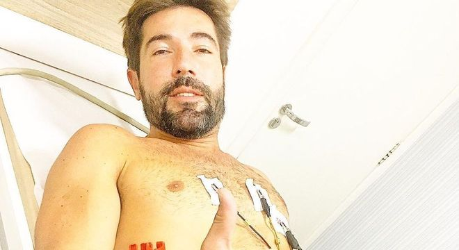 Ator compartilhou foto hospitalizado e fez reflexão sobre a vida