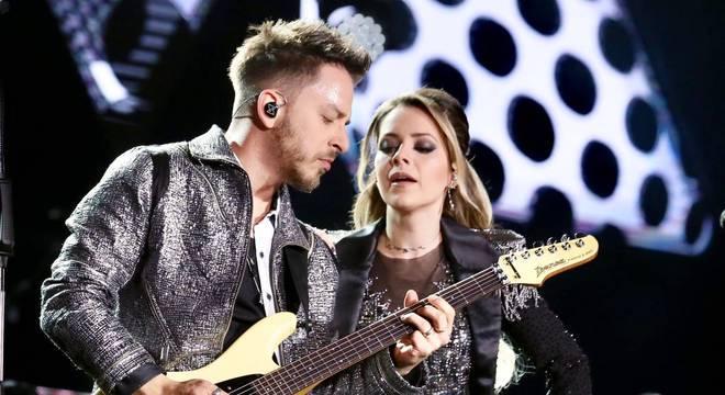 Sandy e Junior faram shows nos EUA e Portugal