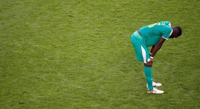 Sané ficou inconsolável com a derrota e a desclassificação para as oitavas