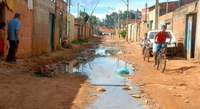 Romano: '60% dos municípios não têm sistema de água e esgoto digno do nome'