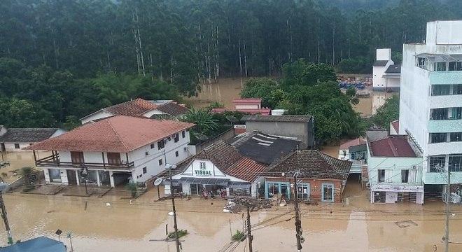 Temporal alagou cidades em Santa Catarina
